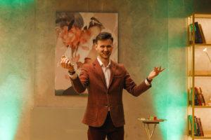 Выступление фокусника Максима Кисилева на открытии клуба красоты authentica club нижний новгород