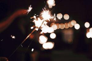 Сияйте в Новый год вместе с подарками клуба красоты authentica club стиль жизни: новогодний образ или скидка на косметику на выбор