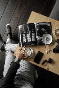 Мужские услуги в клубе красоты authentica club стиль жизни. Мужская стрижка и маникюр по специальным ценам к 23 февраля.