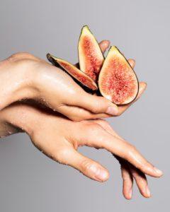 Сочный аромат инжира в новых средствах для кожи La Ric - спрашивайте крем для рук и пилинг для тела в клубе красоты authentica club стиль жизни